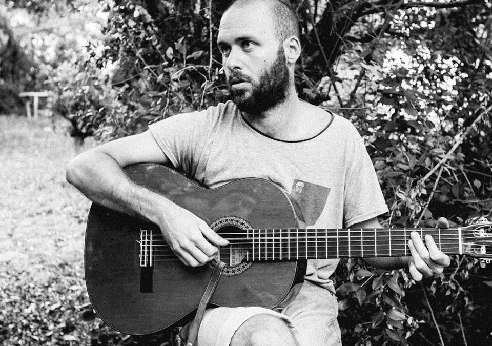 Entrevista a Pablo Vaillant y música de Javier Zubillaga en Agenda Camacuá