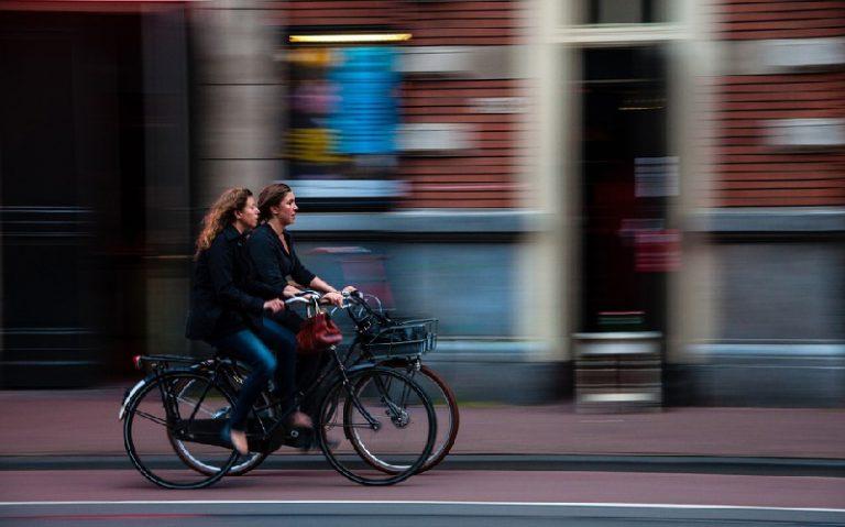 Una propuesta que enseña a pedalear en la ciudad