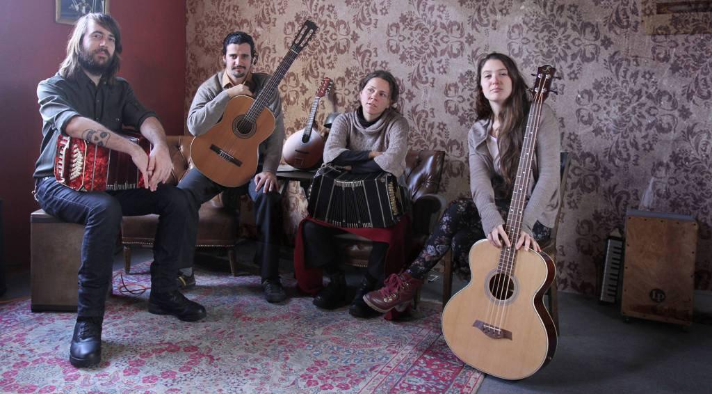 Tatango, pequeña orquesta típica se presentó en la Sala Camacuá