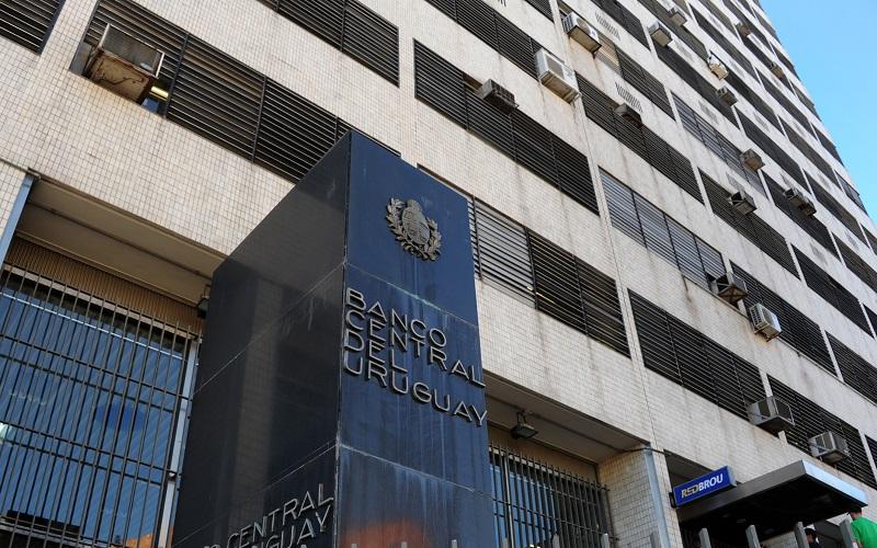 Trabajadores del Banco Central paran este jueves