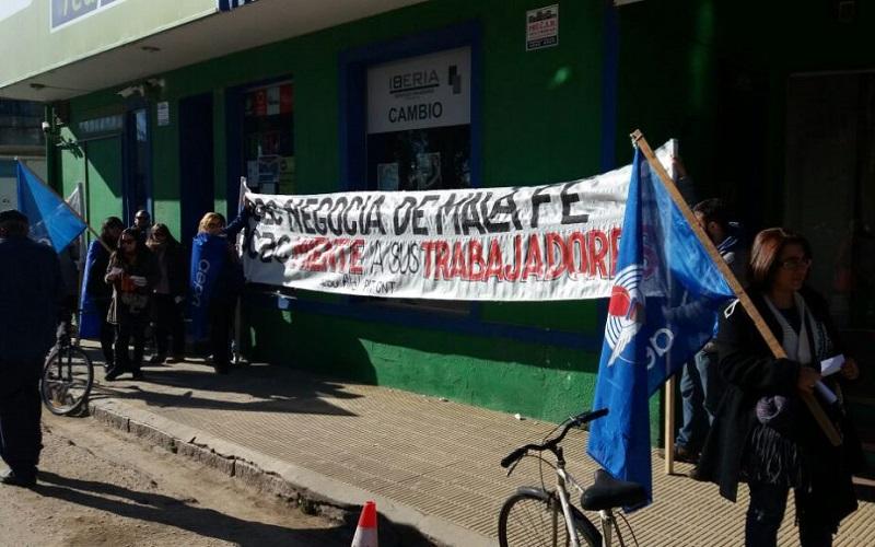 """AEBU contra la persecución antisindical y el """"servicio chatarra"""" de ACAC"""