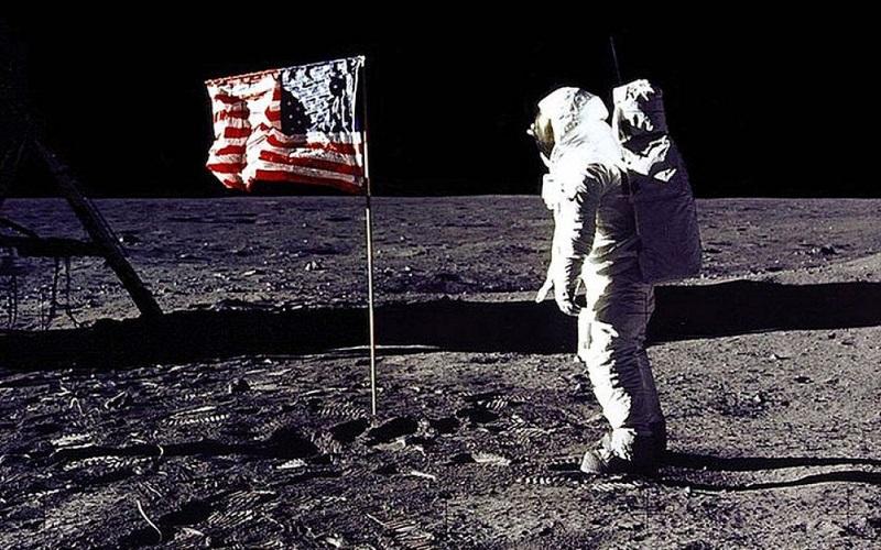 Teorías conspirativas: el hombre en la luna