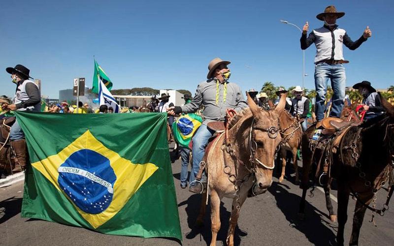 Experto brasileño: «Hoy en Brasil es civilización contra barbarie»